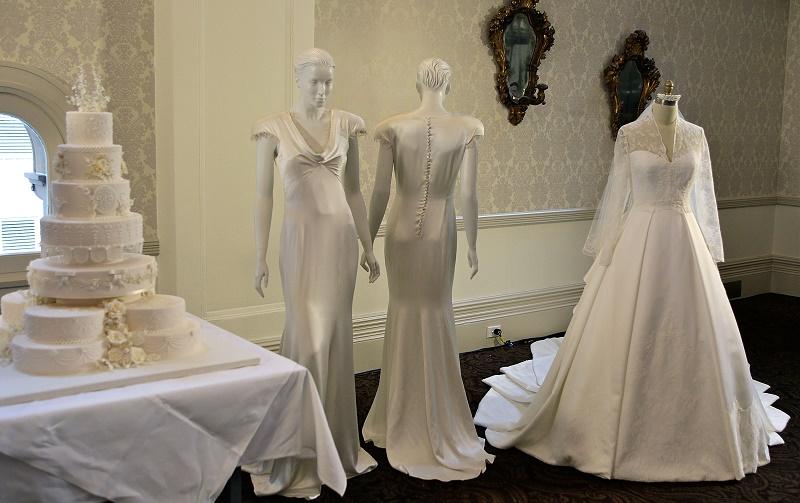 dress for short brides