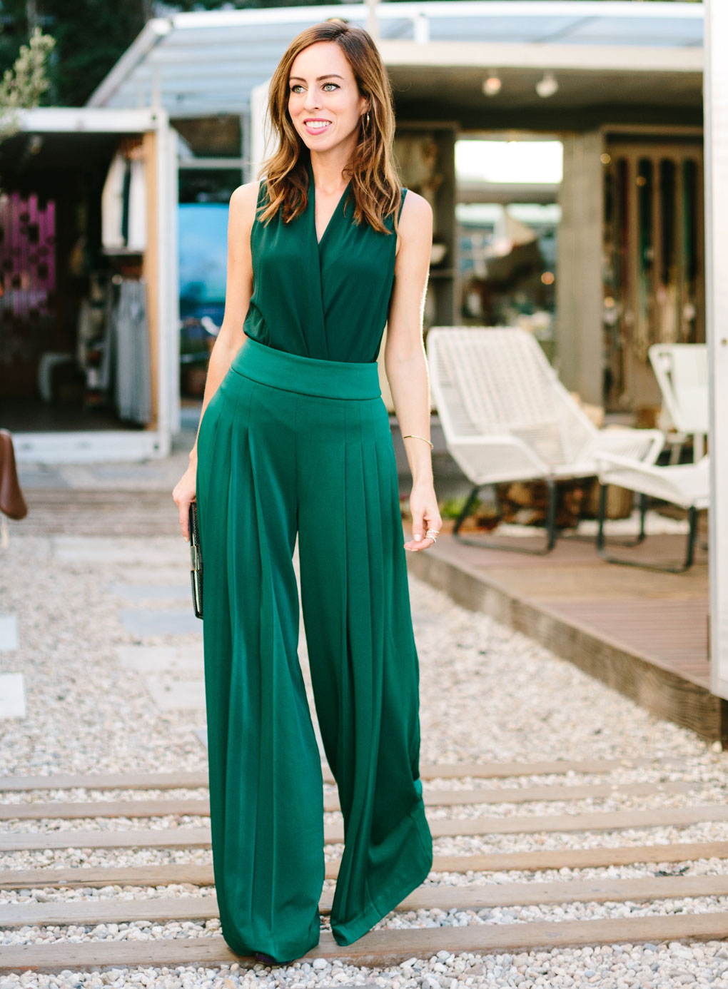 What to wear with green pants