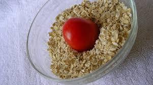 Oatmeal, tomato and honey mask