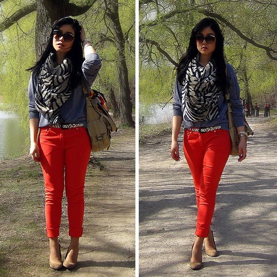 Red pants with printed pullover