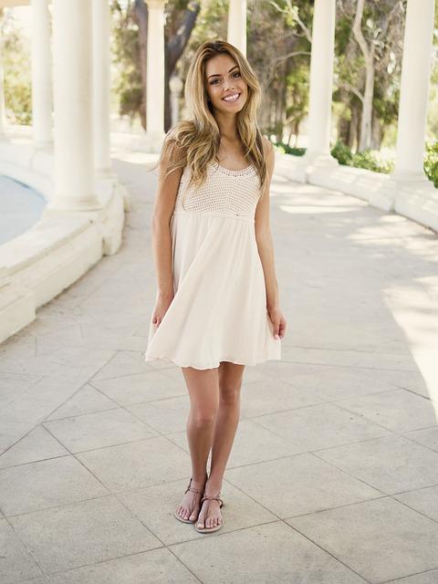 White shorts in elegant looks